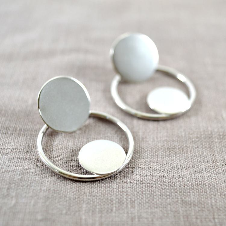 Recycled silver circle earrings.